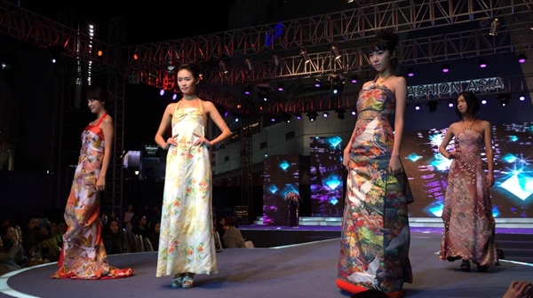 kimono dress dahlianty only fashion show walking